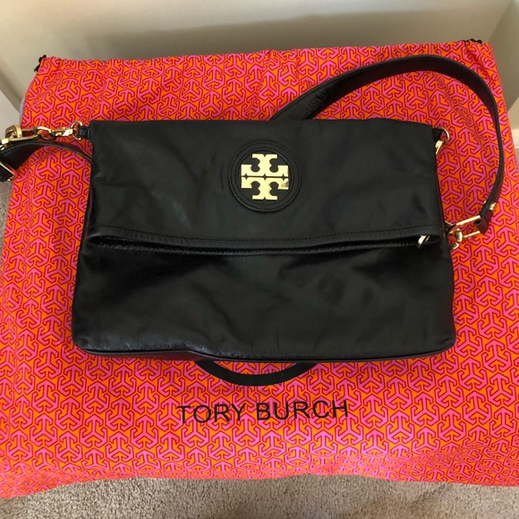 Tory Burch Handbags - Tory Burch- Black City Messenger Bag